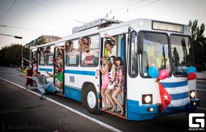 Salsa party в троллейбусе, фото-2