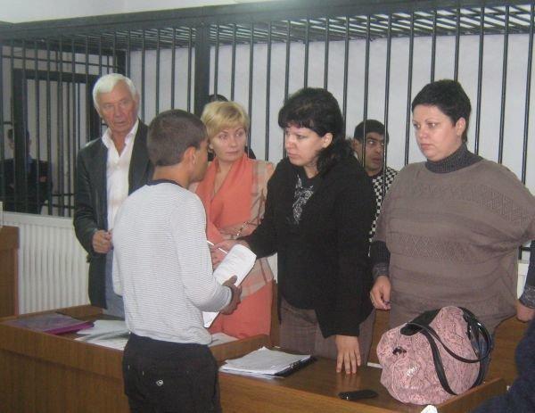 На суде над убийцами Александра Белого малолетний преступник довел своего адвоката до слез, фото-1