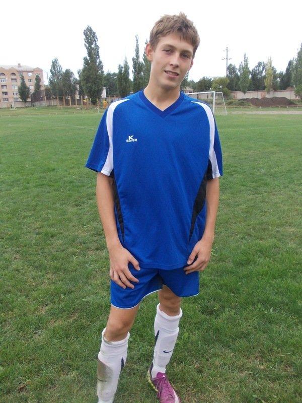 В Артемовске юношеские команды области будут бороться за два комплекта футбольной формы, фото-2
