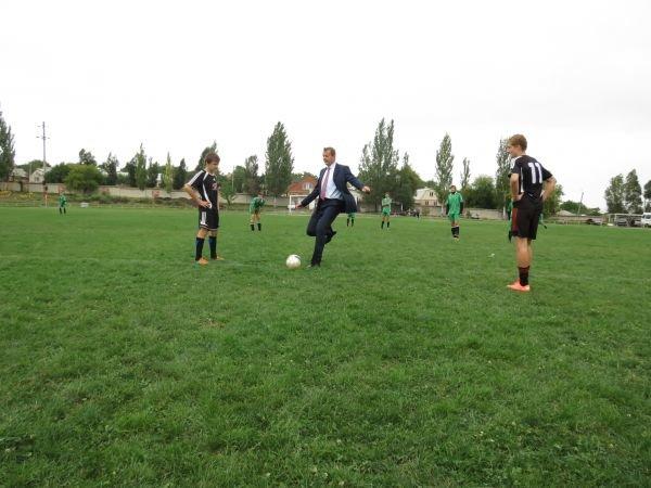 В Артемовске юношеские команды области будут бороться за два комплекта футбольной формы, фото-3