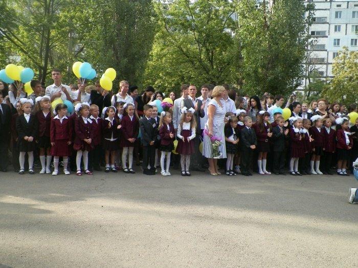 Сегодня для николаевских школьников прозвенел первый звонок (ФОТО), фото-2