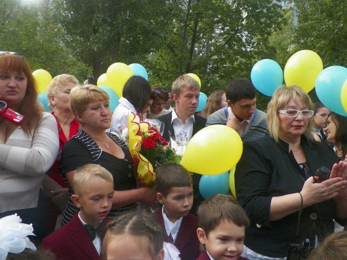 Сегодня для николаевских школьников прозвенел первый звонок (ФОТО), фото-1