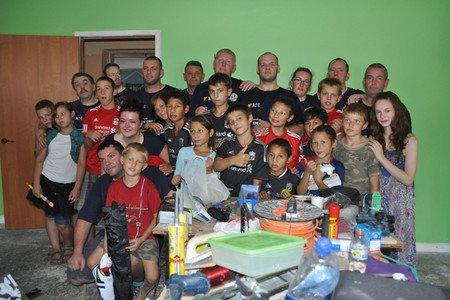 Мариупольский «Пилигрим» посетило 33 волонтера из Англии (ФОТО), фото-2
