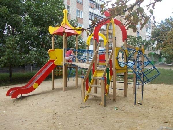 Артемовские многоэтажки отказываются от содержания детских площадок. Их собираются демонтировать и переносить, фото-3