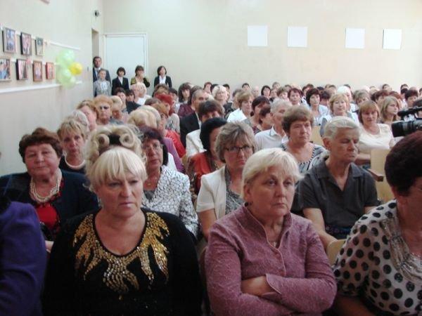 Из-за ненаполняемости в Артемовском районе не открыли 20 классов и могут закрыть 11 школ (фото) - фото 3