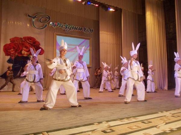 В Артемовске на День физической культуры и спорта награждали, спортсменов, тренеров и даже начальников ЖЭКов, фото-3