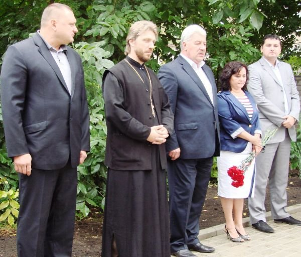 В Артемовске открыли памятник работникам милиции, погибшим при исполнении служебного долга, фото-2