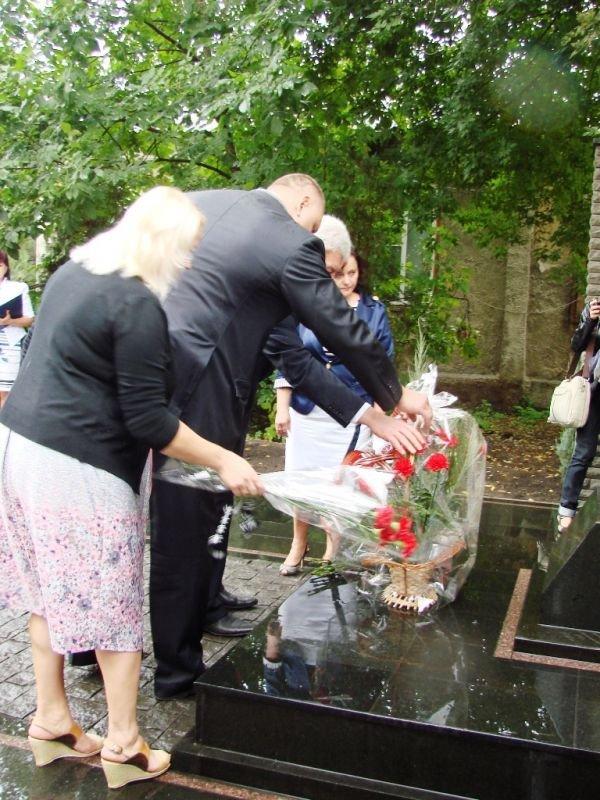 В Артемовске открыли памятник работникам милиции, погибшим при исполнении служебного долга, фото-5