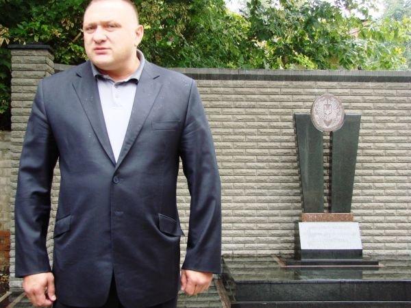 В Артемовске открыли памятник работникам милиции, погибшим при исполнении служебного долга, фото-1