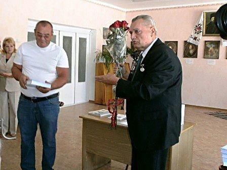 Горловчане узнают больше о родном городе - 2-е издание книги «Горловка» значительно увеличилось в объеме, фото-2
