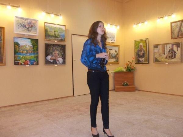 Ко Дню города в артемовском музее 18 художников выставляют свои работы, фото-1