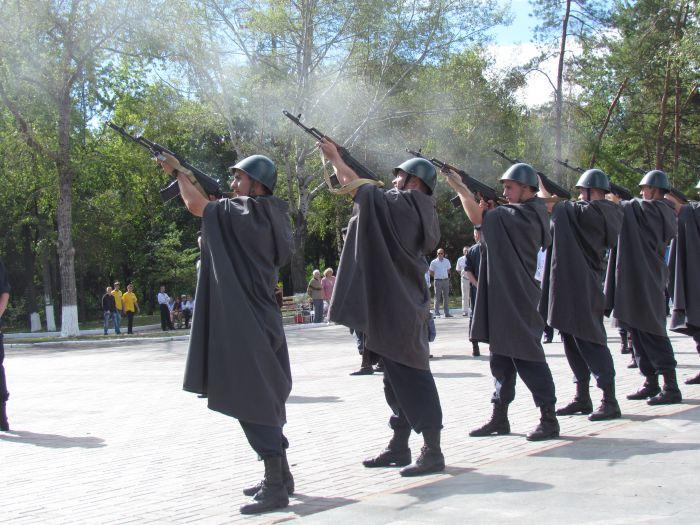 В Мариуполе отметили  69-ую годовщину  освобождения города от немецко-фашистских захватчиков   (ФОТО), фото-11