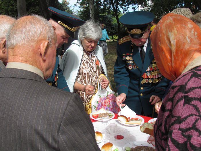 В Мариуполе в  честь  Дня  освобождения наварили каши на 3000  человек (ФОТО), фото-3
