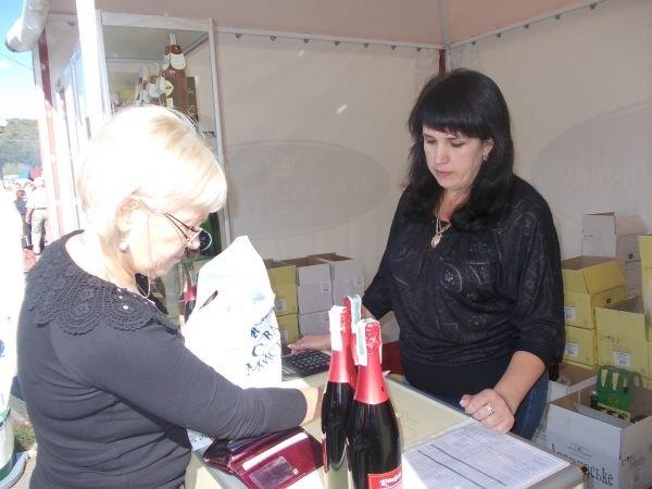 Артемовская ярмарка-выставка: больше смотрят, чем покупают, фото-1