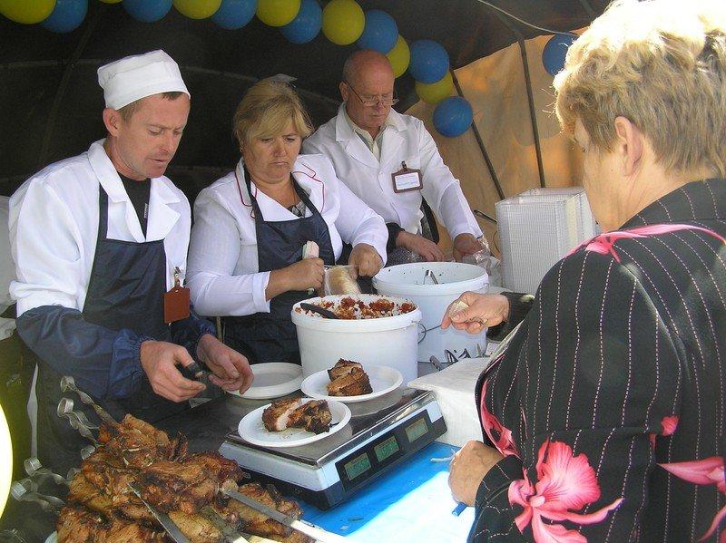 День Луганска-2012: Мясо, зрелища и собаки, фото-2