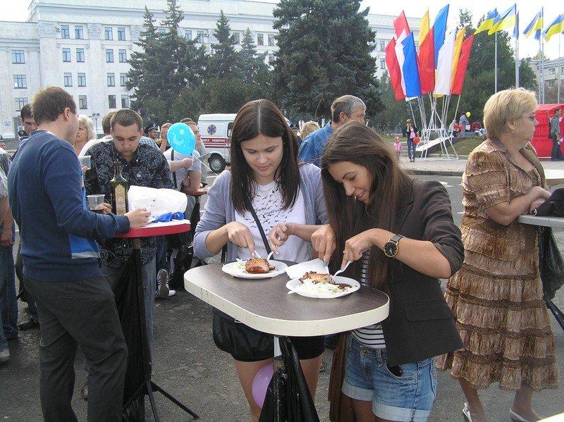 День Луганска-2012: Мясо, зрелища и собаки, фото-1
