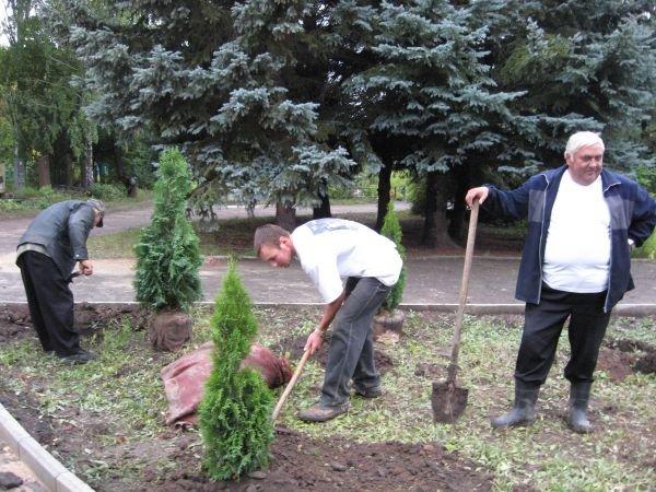 На артемовском кладбище отремонтировали комплекс братских могил, фото-3