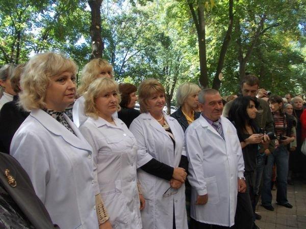Артемовская амбулатория №6 по Горького теперь не только с ремонтом, но и с машиной (фото) - фото 6