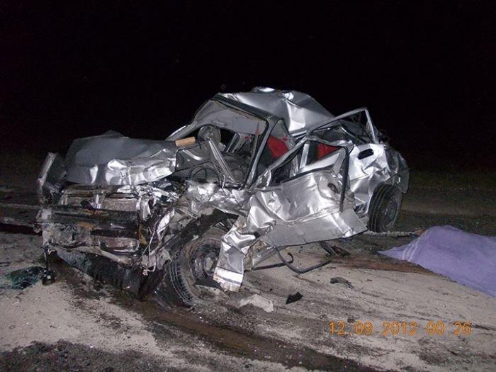 Под Мариуполем автобус протаранил легковушку. Погибло два человека (ФОТО), фото-1
