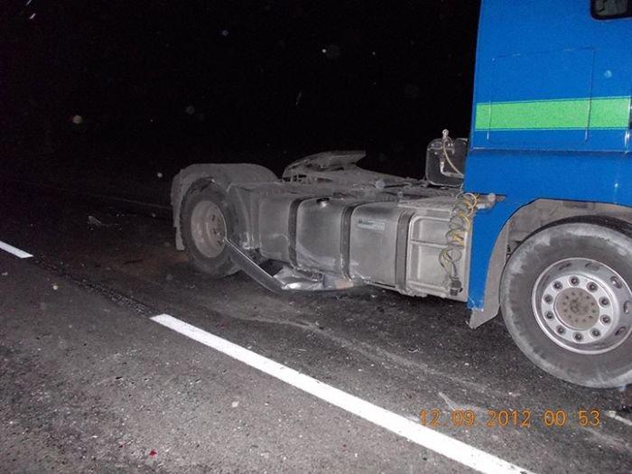 Под Мариуполем автобус протаранил легковушку. Погибло два человека (ФОТО), фото-2