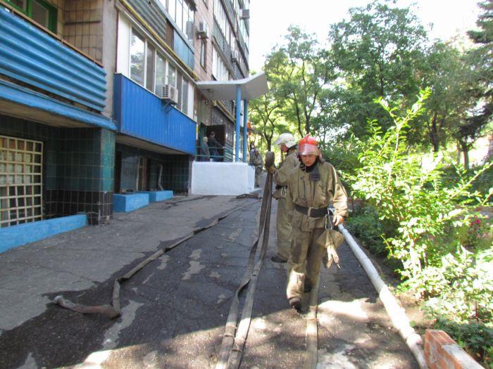 На проспекте Нахимова электрощитовая «закоптила» многоэтажку (ФОТО), фото-11