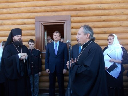 Деревянный храм Иоанна Златоуста в Артемовске встретил первых прихожан, фото-4