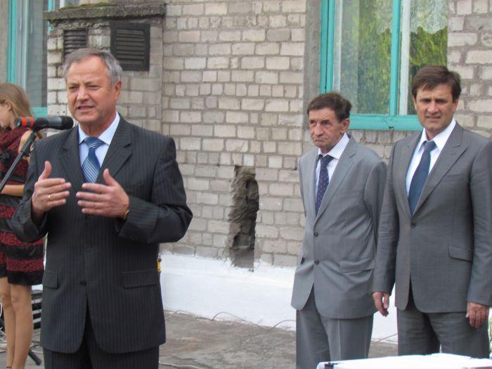 Губернатор вручил Мариуполю 9 новых «скорых»,  обещая «еще пяток подкинуть»(ФОТО), фото-5
