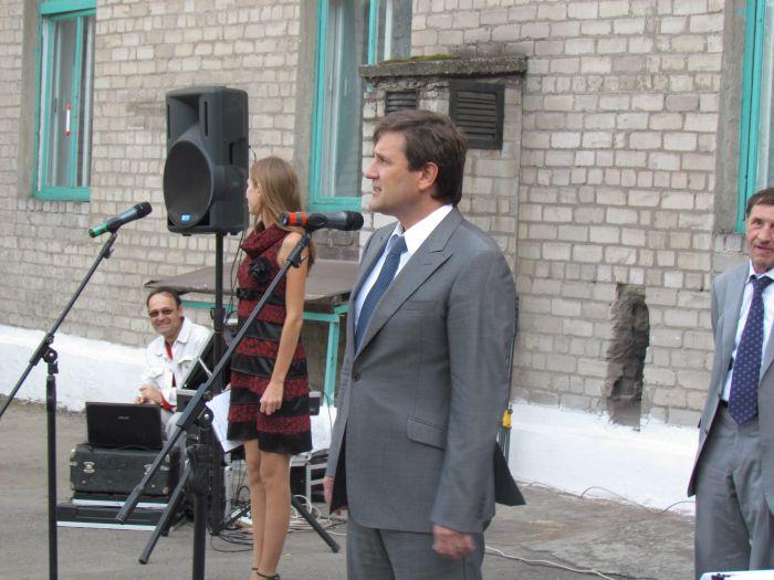 Губернатор вручил Мариуполю 9 новых «скорых»,  обещая «еще пяток подкинуть»(ФОТО), фото-4