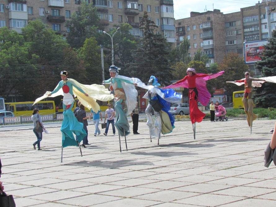 Львів здивував Маріуполь живими статуями і сам здивувався тим, яке то гарне місто (ФОТО), фото-1