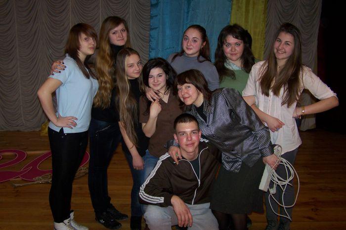 9. Театральный коллектив Мельпомешки.