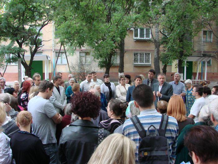 Кандидат в народные депутаты Украины А.П.Белый пошел в народ (ФОТО), фото-1