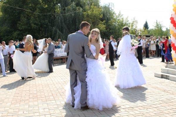 Артемовск погулял на славу: 5 пар молодоженов и 15 новорожденных, фото-3