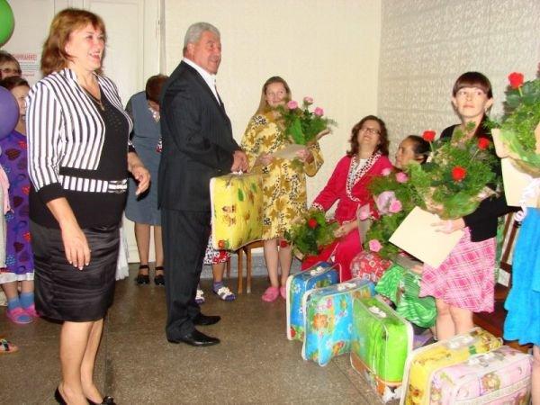 Артемовск погулял на славу: 5 пар молодоженов и 15 новорожденных, фото-4