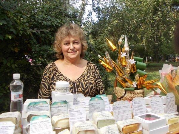 Товары для души и тела предлагали мастера народного творчества на фестивале в День города Артемовска, фото-1