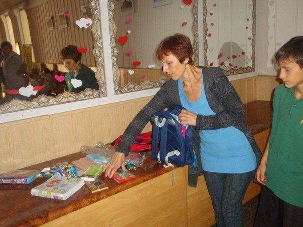 В Мариуполе многодетным семьям помогли собрать детей в школу (ФОТО) , фото-2