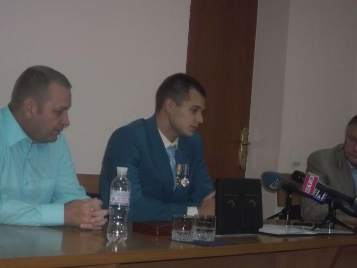 Мариупольскому спортсмену-паралимпийцу вручили премию и подарки (ФОТО), фото-2