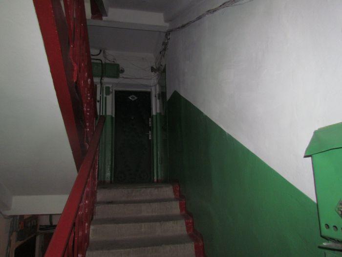 В Мариуполе жителям отремонтировали подъезд за 6,6 тыс. грн. (ФОТО) , фото-2