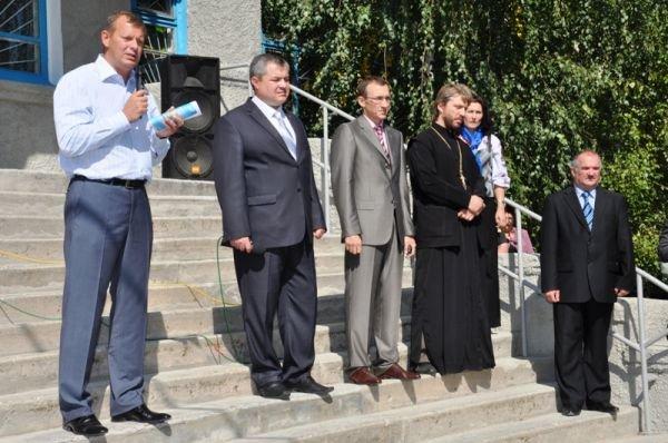 Соледарцы подарили Сергею Клюеву икону Николая Чудотворца, фото-1