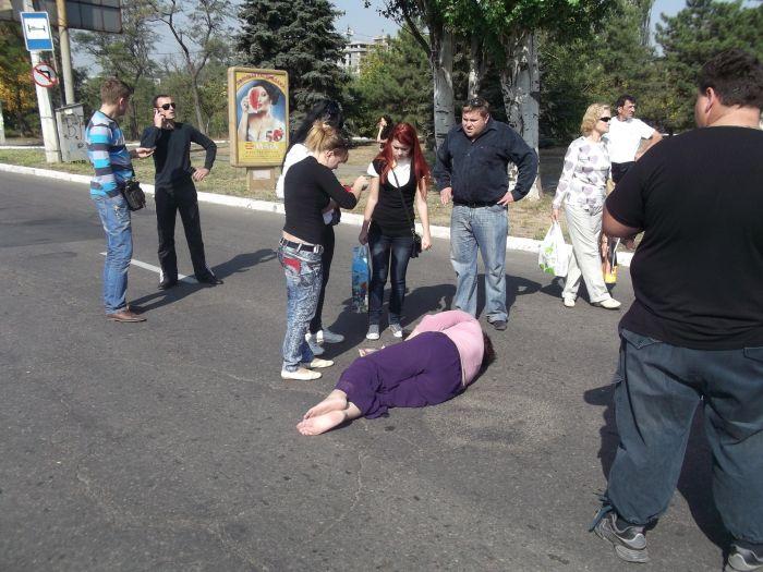 В Мариуполе «Форд» на пешеходном переходе сбил женщину (ФОТО), фото-1