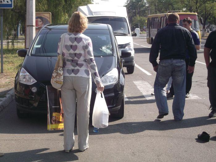 В Мариуполе «Форд» на пешеходном переходе сбил женщину (ФОТО), фото-3