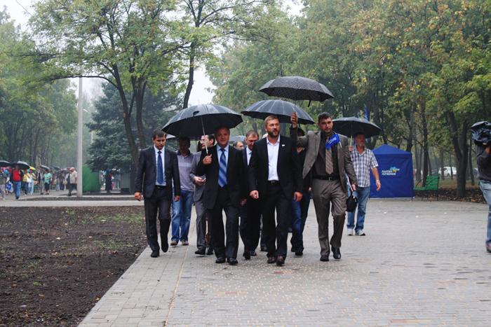 Реконструированный парк 50-летия Победы открывали уважаемые гости из России (ФОТО), фото-7