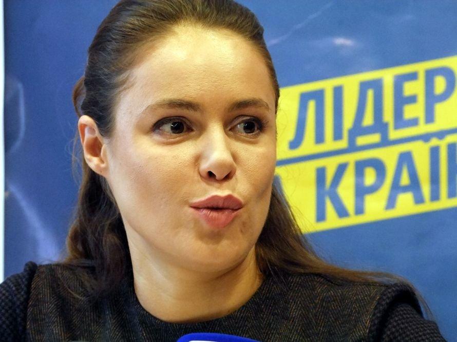 Королевская заявила в Донецке, что она была только свидетелем ДТП, и объяснила, почему не приехал Шевченко, фото-4