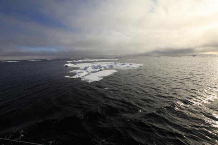 Штормовой ветер в Арктике не дает мариупольским яхтсменам завершить вторую кругосветку (ФОТО), фото-16