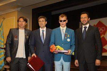 В Донецке наградили мариупольских олимпийцев и паралимпийца (ФОТО), фото-1