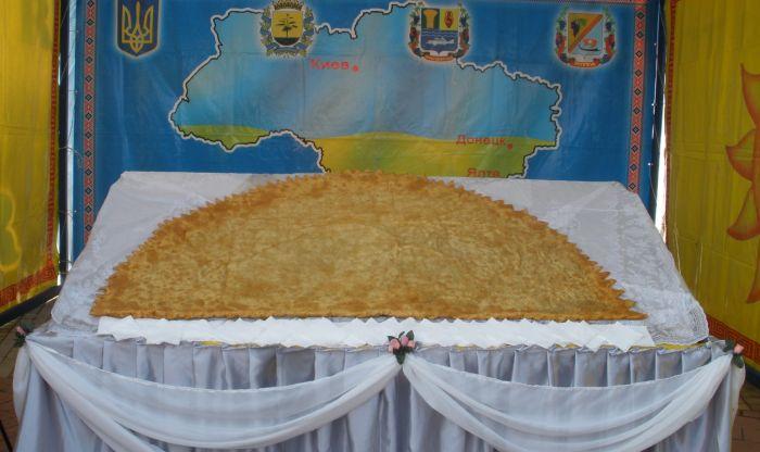 Под Мариуполем изготовили гигантский чебурек - самый большой в Украине (ФОТО), фото-5