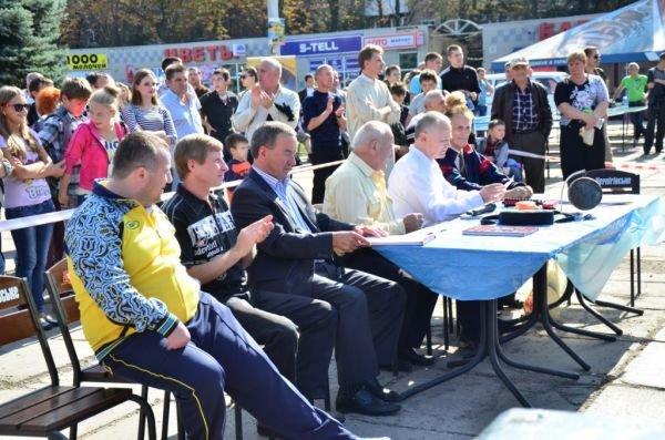 Дружеские бои: юные боксеры показали мастерство на центральной площади Горловки, фото-5