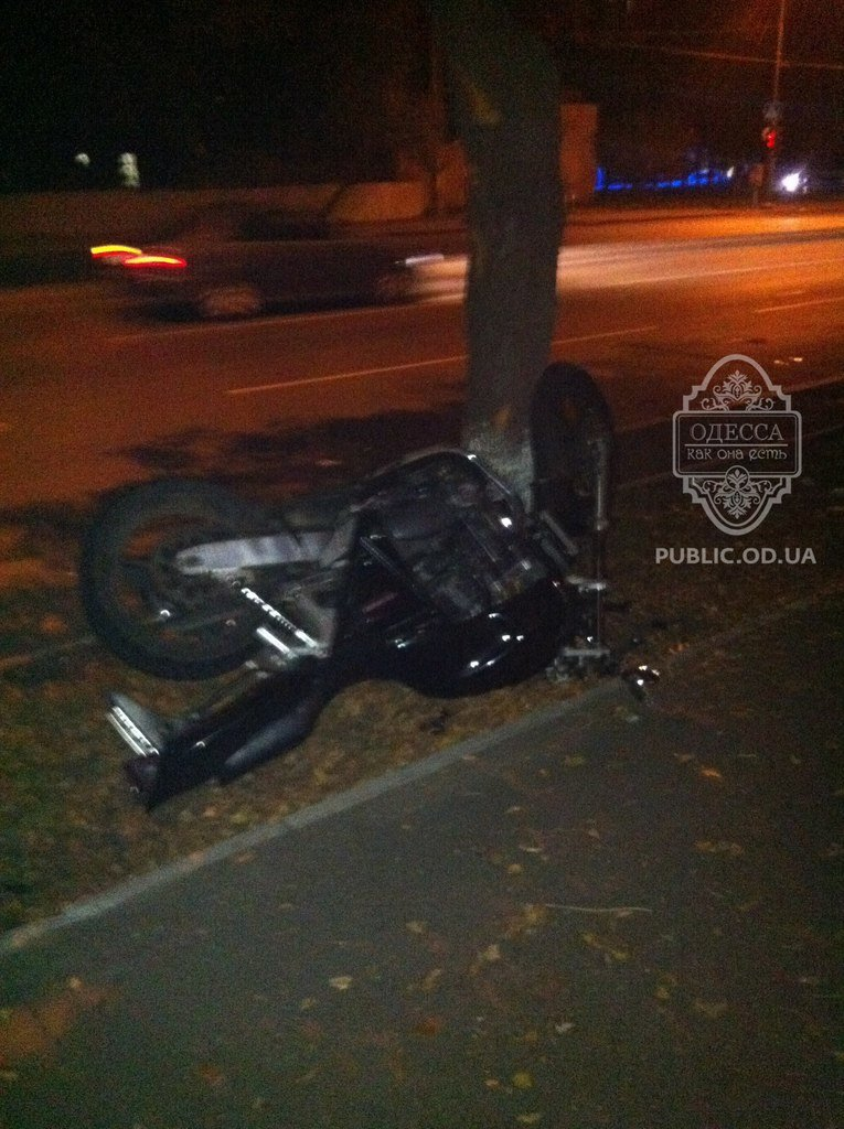 Одесский мотоциклист сбил пьяного пешехода: человек в коме (Фото), фото-1