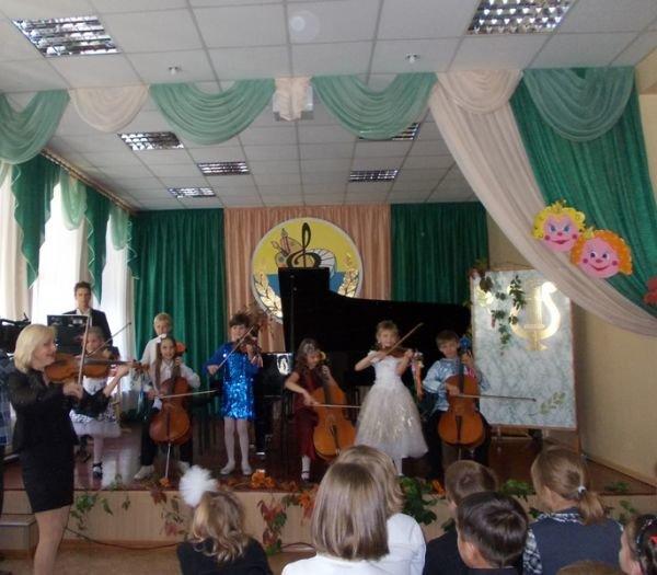 В Артемовской Школе искусств первоклашек принимали в музыканты, фото-2