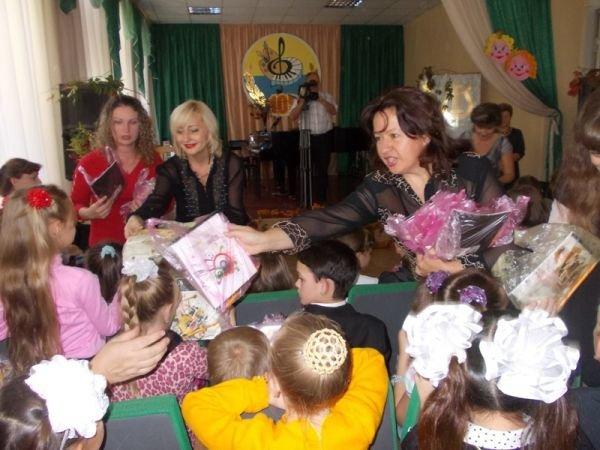 В Артемовской Школе искусств первоклашек принимали в музыканты, фото-5
