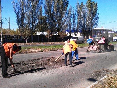 Облавтодор приступил к ремонту горловских дорог общего пользования (фото) - фото 2